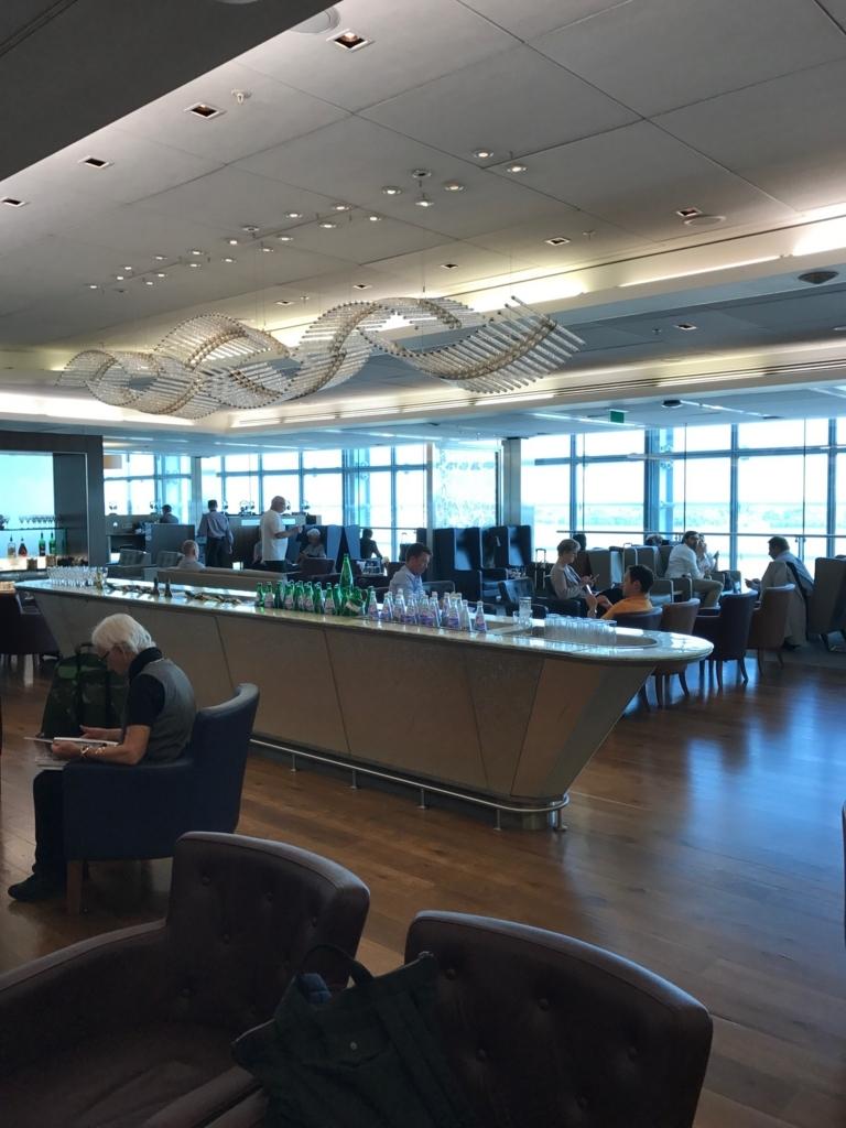 【ヒースロー国際空港ターミナル3】ブリティッシュエアウェイズのビジネスラウンジは料理も飲み物充実!wifiも快適!